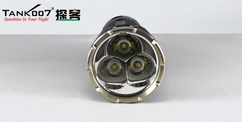 TANK007 强光手电筒