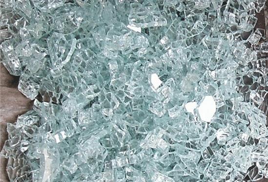 LED手电筒钢化玻璃镜片破碎
